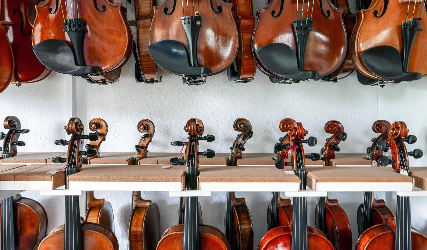 Geigen im Atelier MeineLGeigen Geigenbau Violine